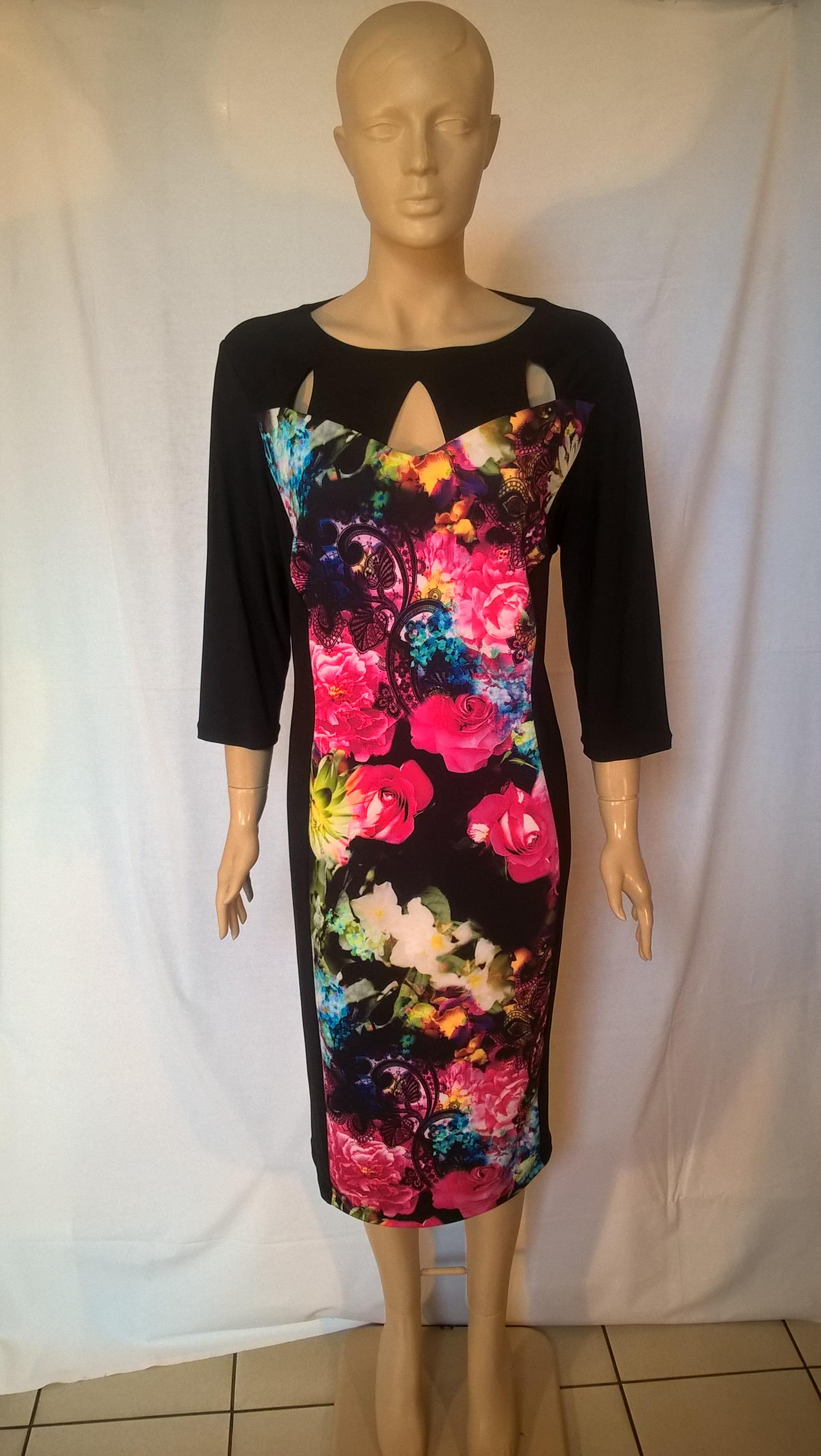 c3717779f5 Alkalmi ruhák : TIA fekete-színes egészruha